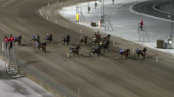 Martin P Djuse och Hanapier vinner V64-4 i Eskilstuna.